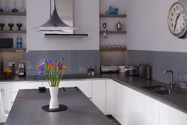 2Kempson-Road-House-Giles-Pike-Archiects-7-kitchen.jpg